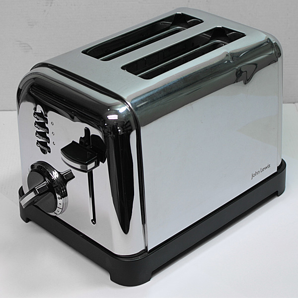 black decker maker over space toaster